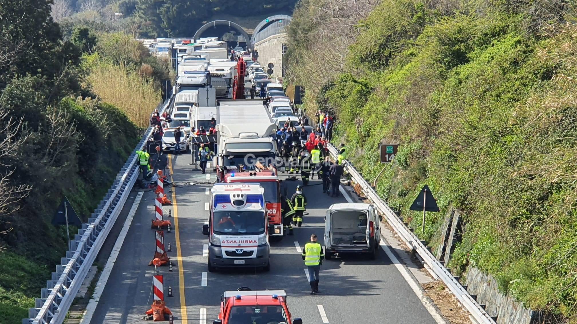 coda autostrada incidente mortale a10