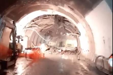 demolizione controllata galleria a12 crollo