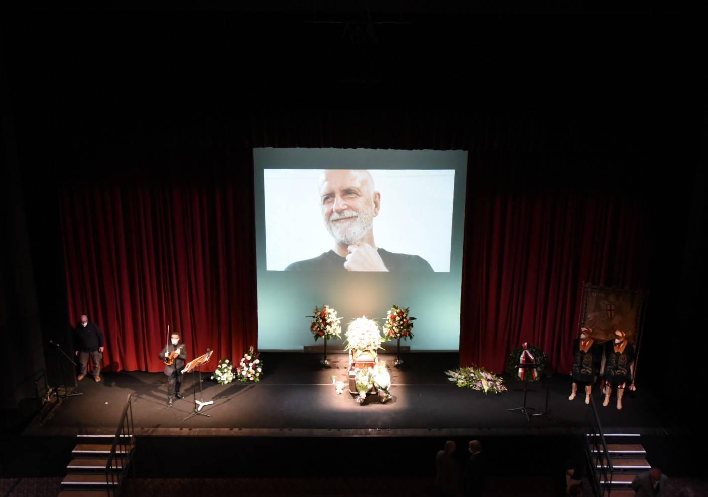 Funerale Sciaccaluga in teatro