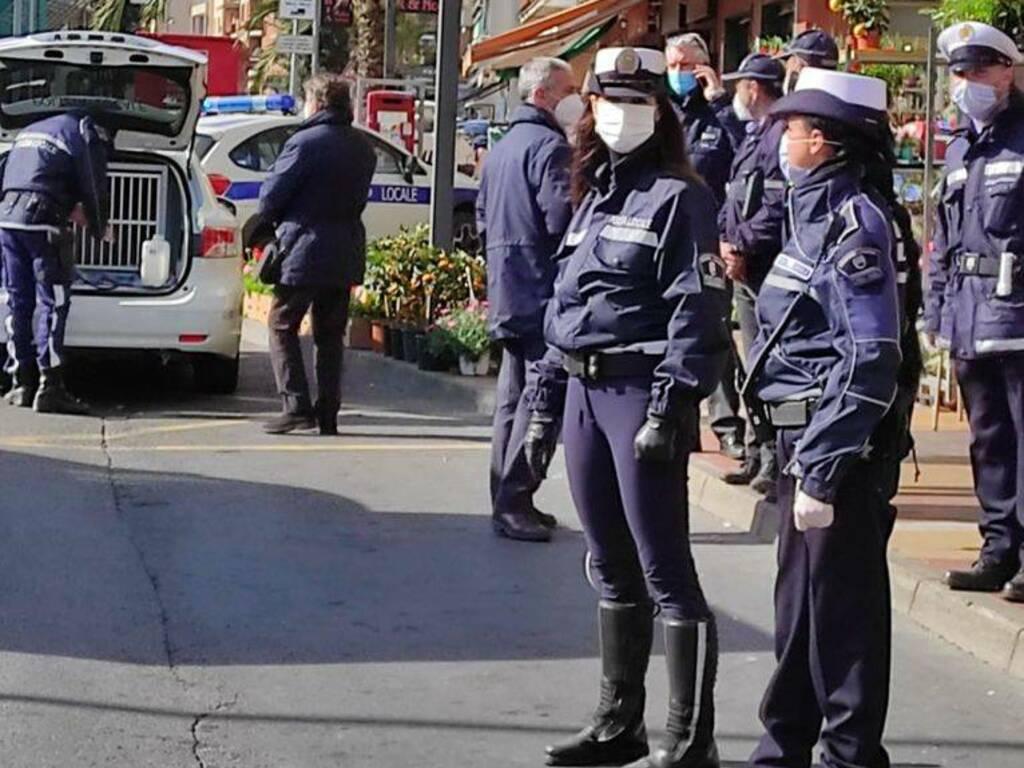 Controlli Bus Polizia Locale Loano