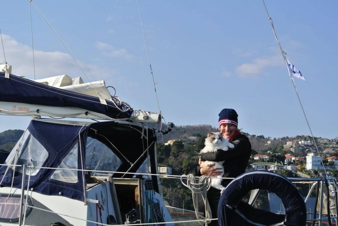 Marianna De Micheli: una velista social e il suo gatto a Savona