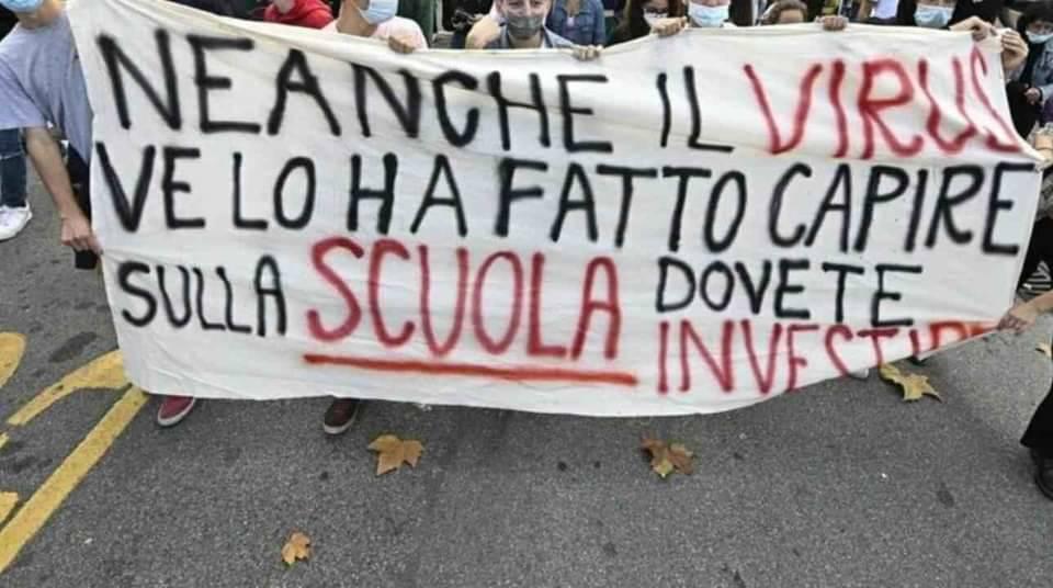 scuola virus didattica a distanza corteo studenti protesta manifestazione
