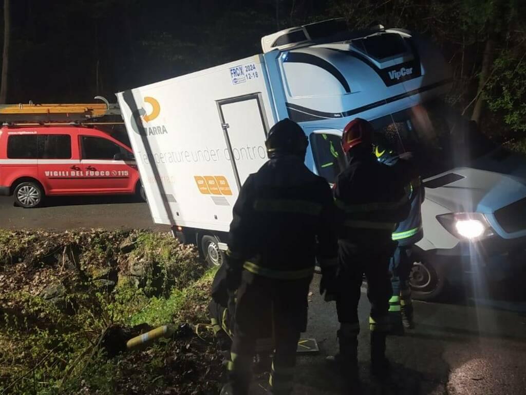 Camion incastrato Rossiglione