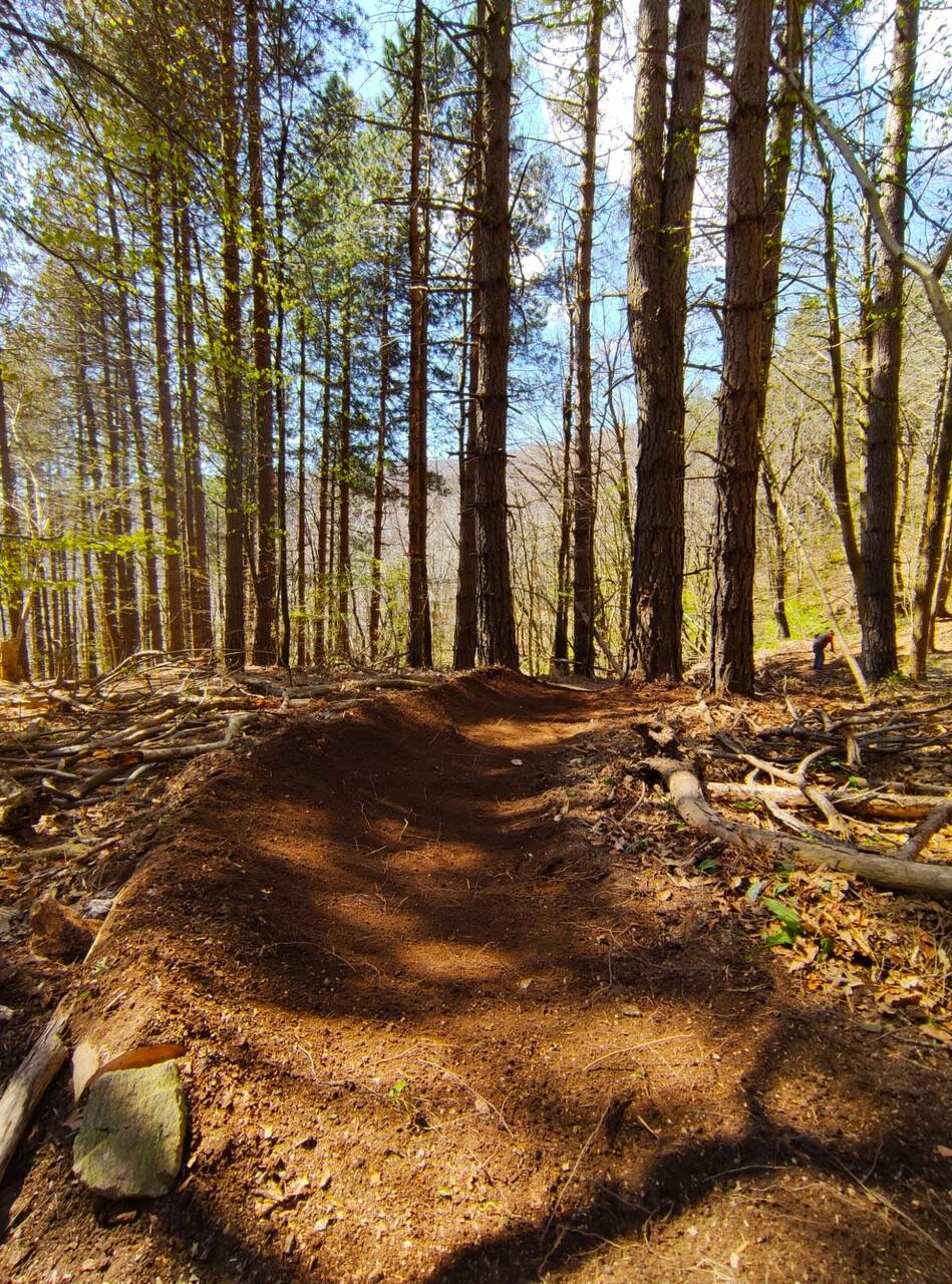 Finale Outdoor Region trail Building