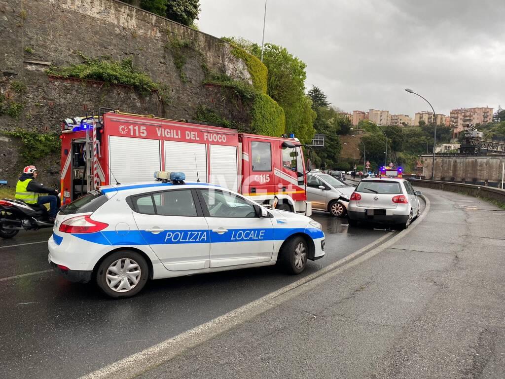 Incidente a Savona, viabilità in tilt