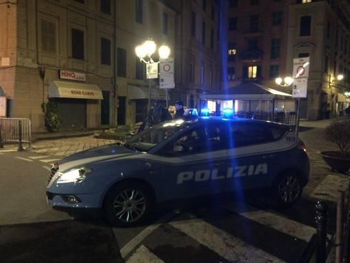 Polizia di Stato auto sera notturna generica