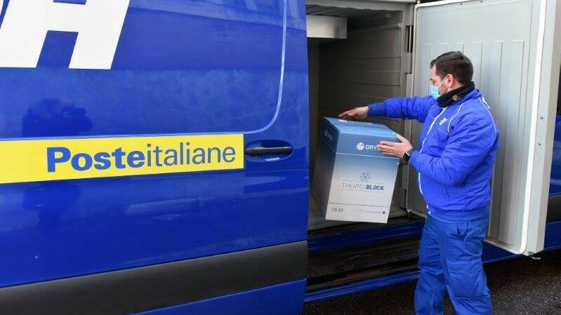 Poste consegna 1300 dosi AstraZeneca