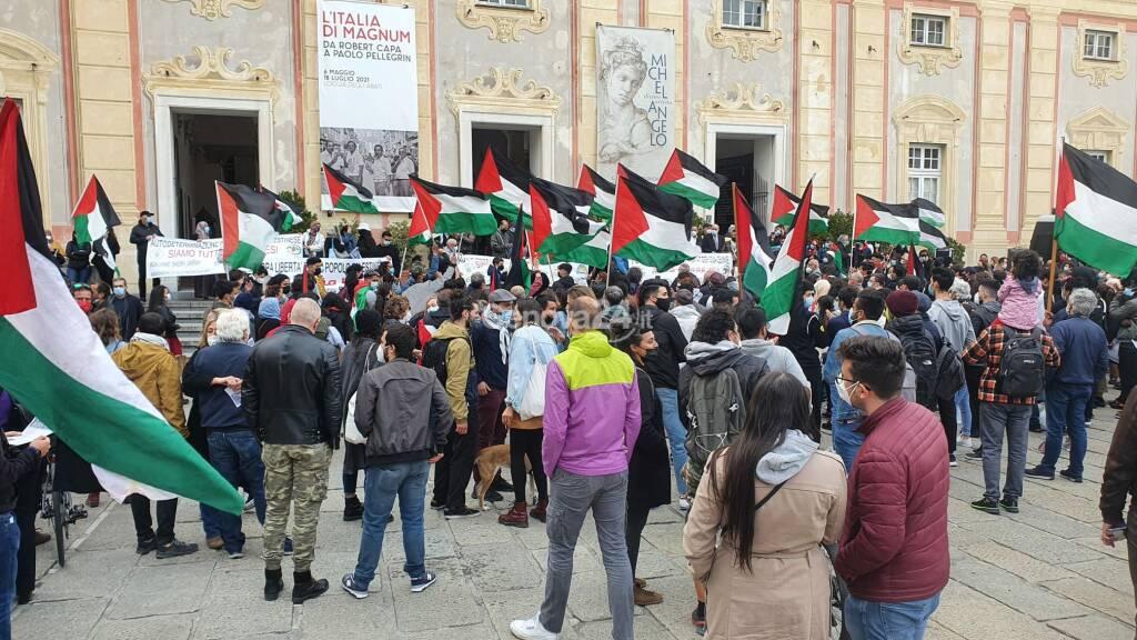Attacco di Isreaele, a Genova manifestazione pro Palestina