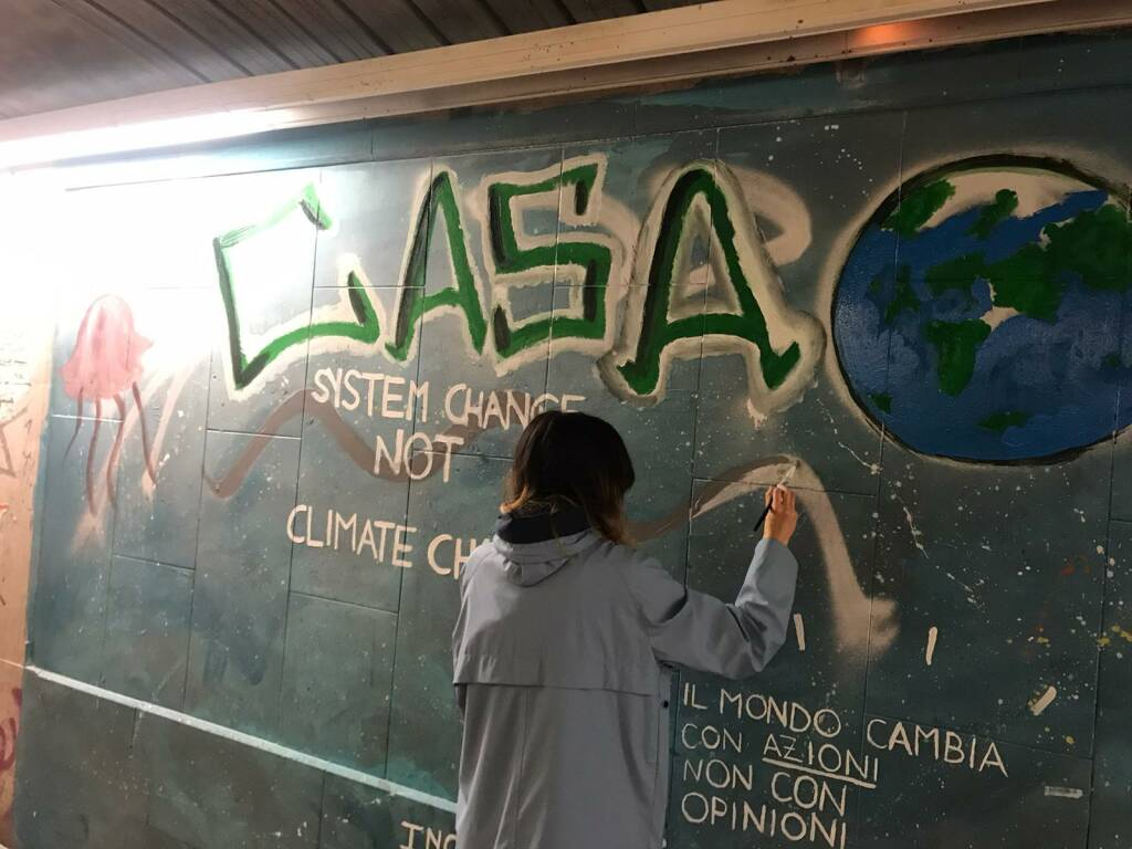 Flash mob fridays for future
