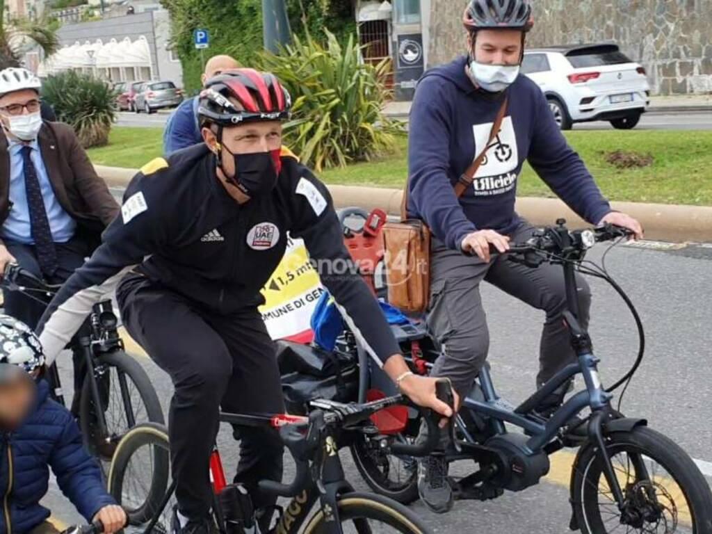 matteo trentin piste ciclabili triciclo bicibus