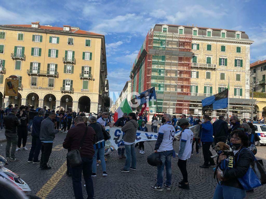 La festa-scudetto dei tifosi interisti a Savona