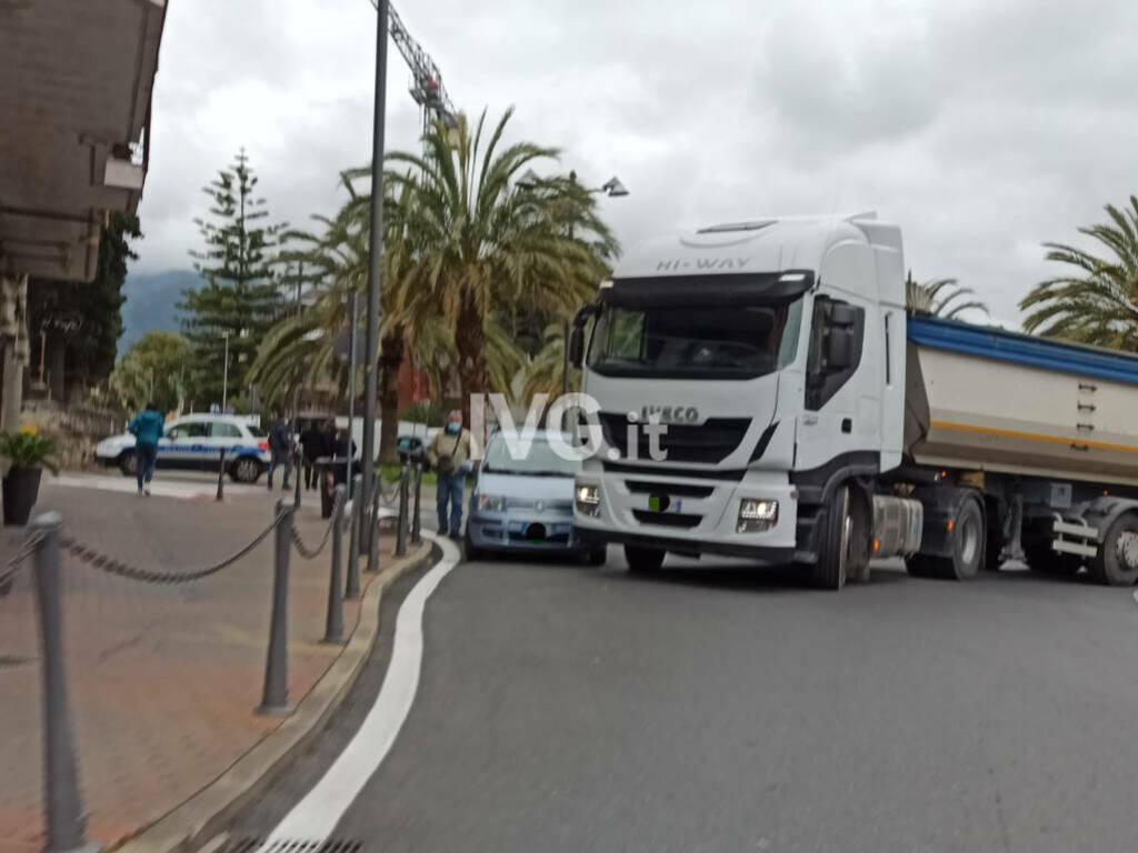 loano aurelia camion generica