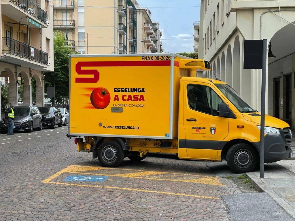 furgone Esselunga Loano
