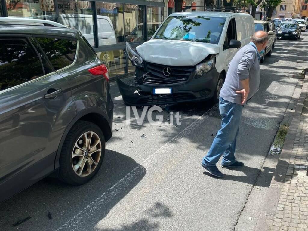 Tamponamento a catena in viale Martiri ad Albenga