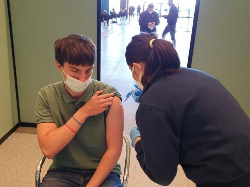 vaccino over18 fiera di genova