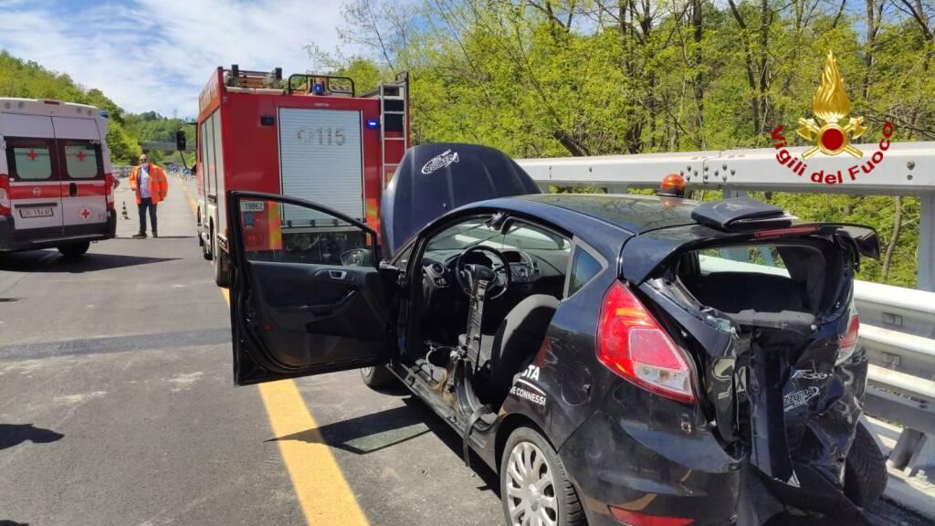 vigili fuoco incidente autostrada generica