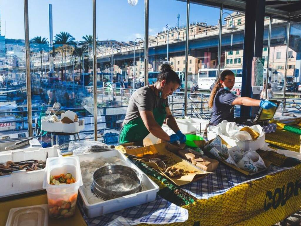 """Venerdì 25 giugno torna \""""Fish&Djs\"""" al Mercato dei Pescatori della Darsena con il dj set dal vivo di Francesco Bacci"""