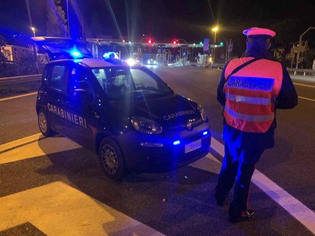carabinieir notte controllo autostrada sestri levante posto blocco