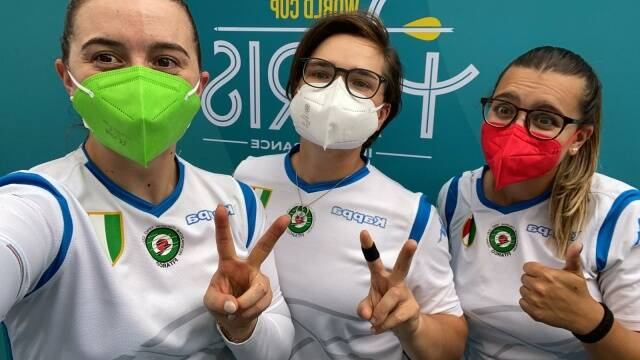 le azzure festeggiano la qualifcazione olimpica