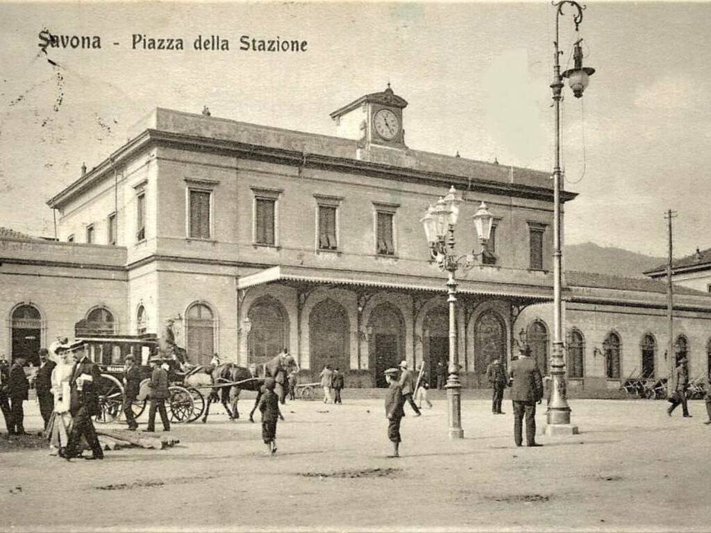 Savona stazione ferroviaria vecchia 1909