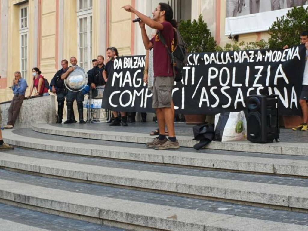 anarchici palazzo ducale g8