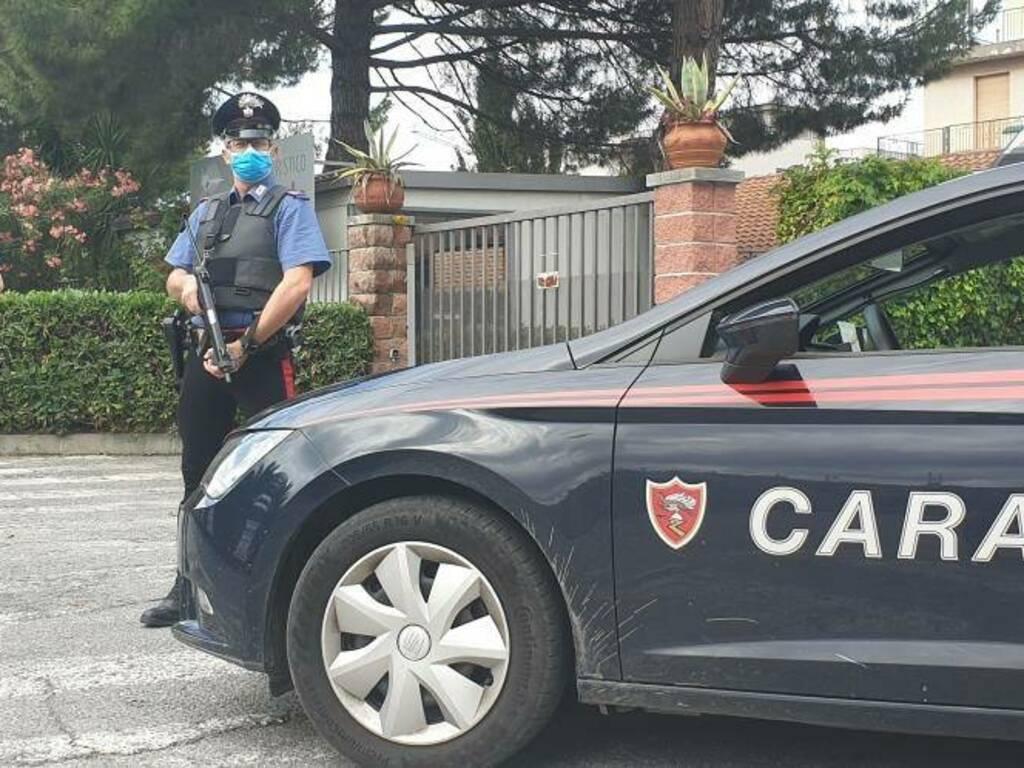 carabinieri generica macchina cc