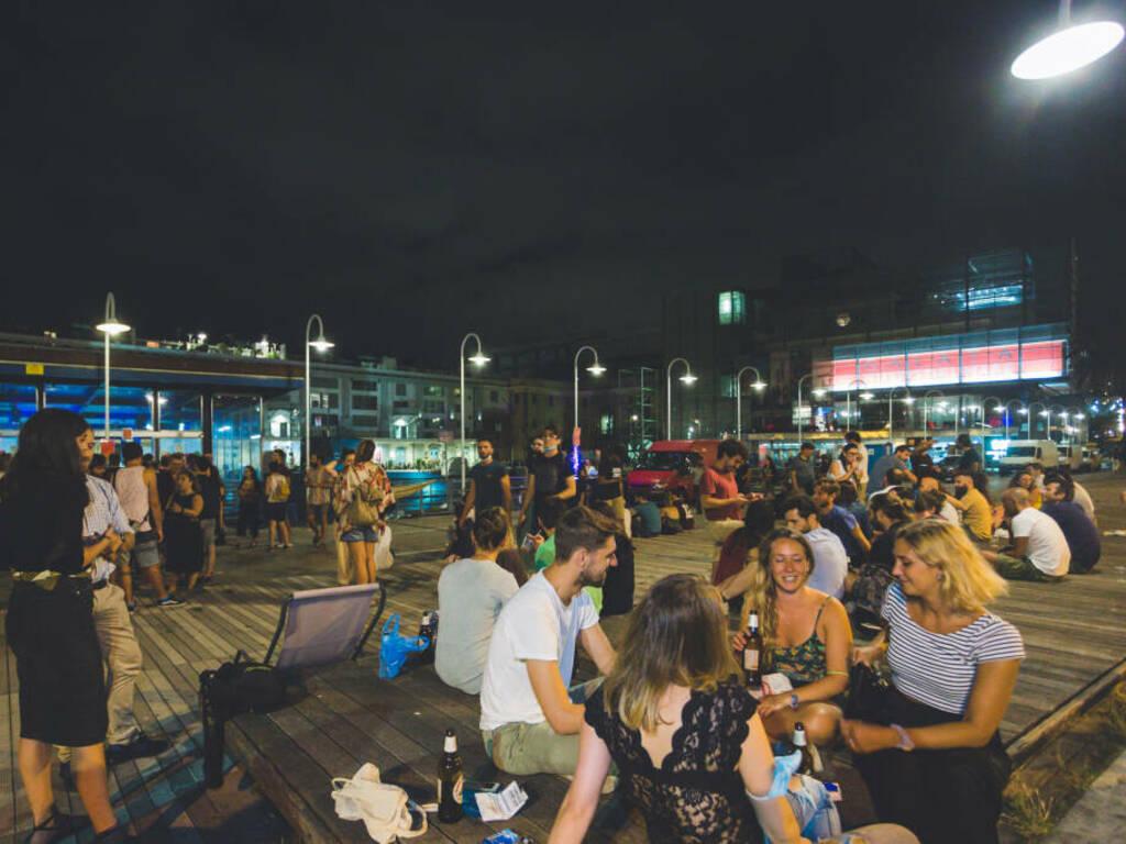 Venerdì 16 luglio i dj set dal vivo di Lillo Carillo e SocksLove al Mercato dei Pescatori della Darsena