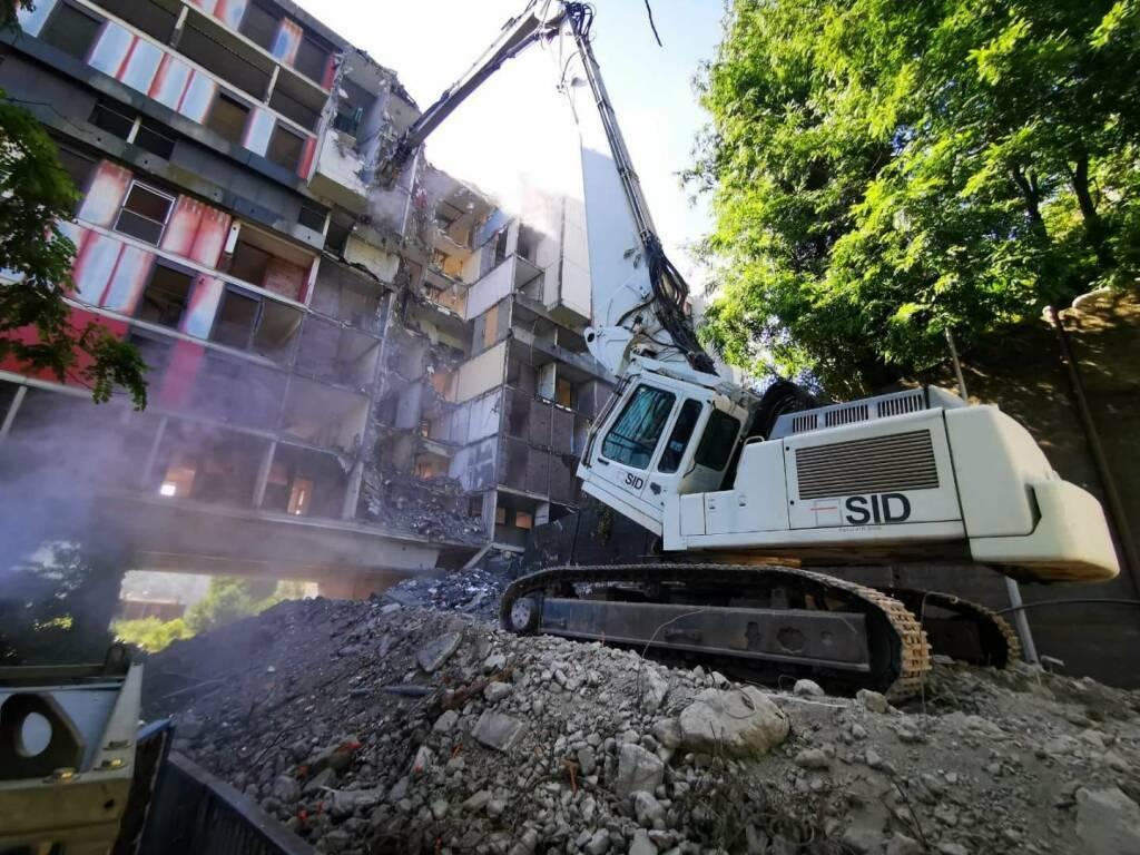 demolizione diga begato