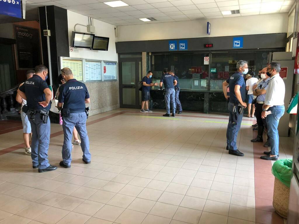 Controlli Polizia Polfer Municipale Alassio stazione