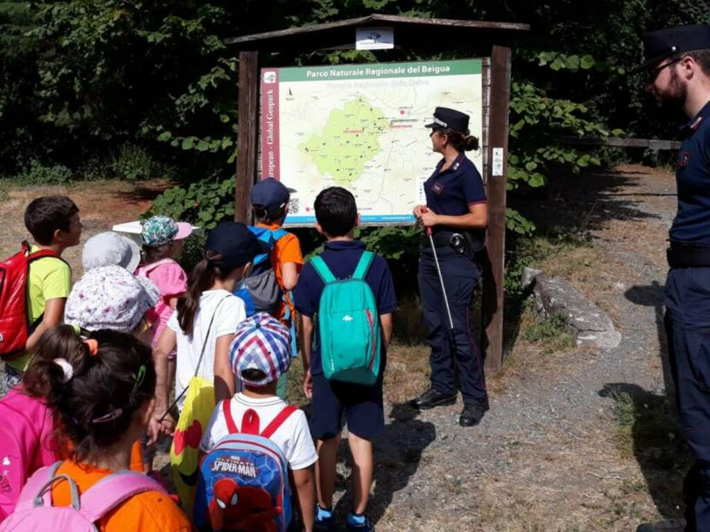 Foresta Deiva Bambini Carabinieri Forestali