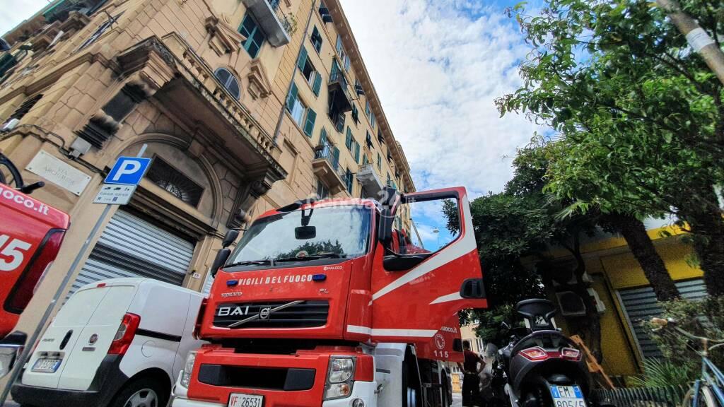 Vigili fuoco incendio corso Sardegna