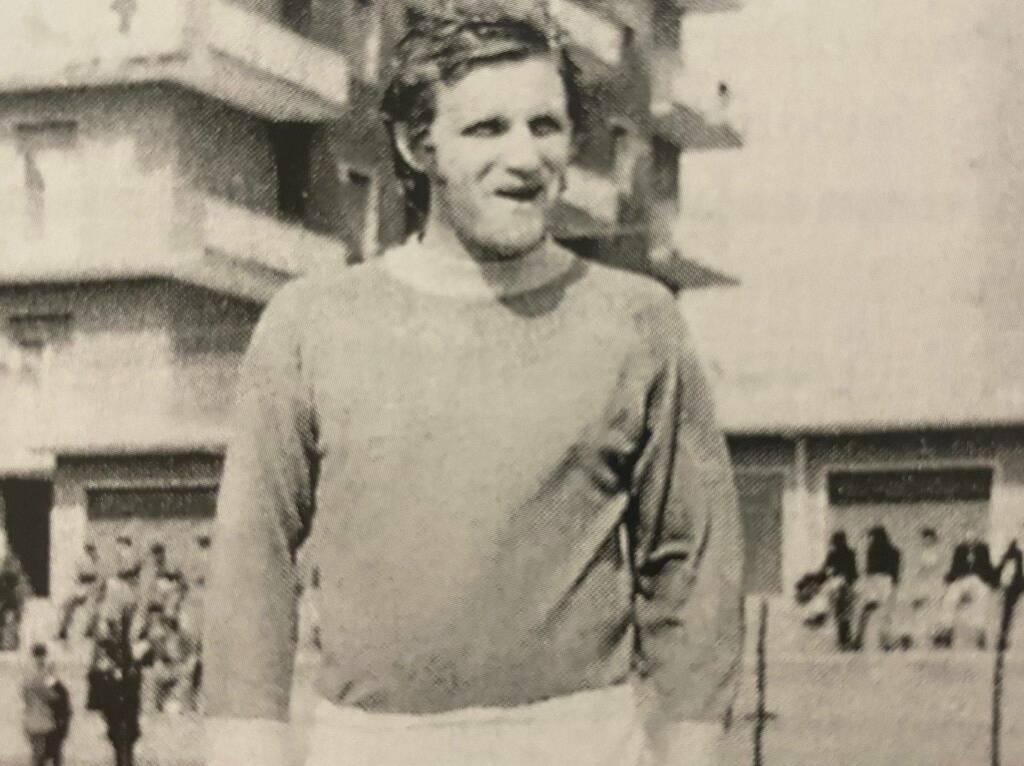 Enzo Costa Centrocampista