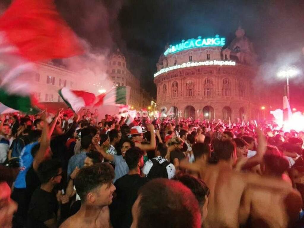 Italia campione d'Europa, i tifosi in delirio a De Ferrari