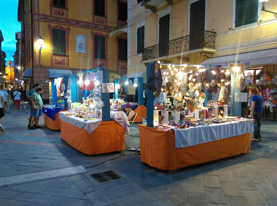 "Loano ""Mestieri in Piazza"" mercatino"