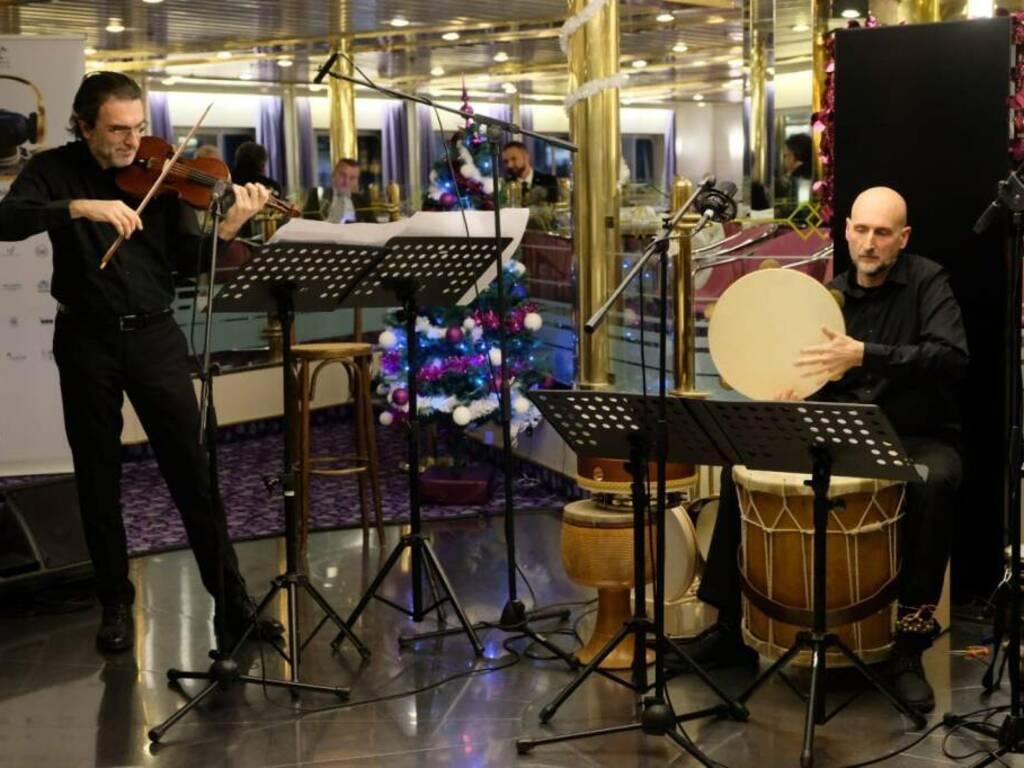 Maurizio Cadossi violino Voxonus Duo con Flavio Spotti percussioni