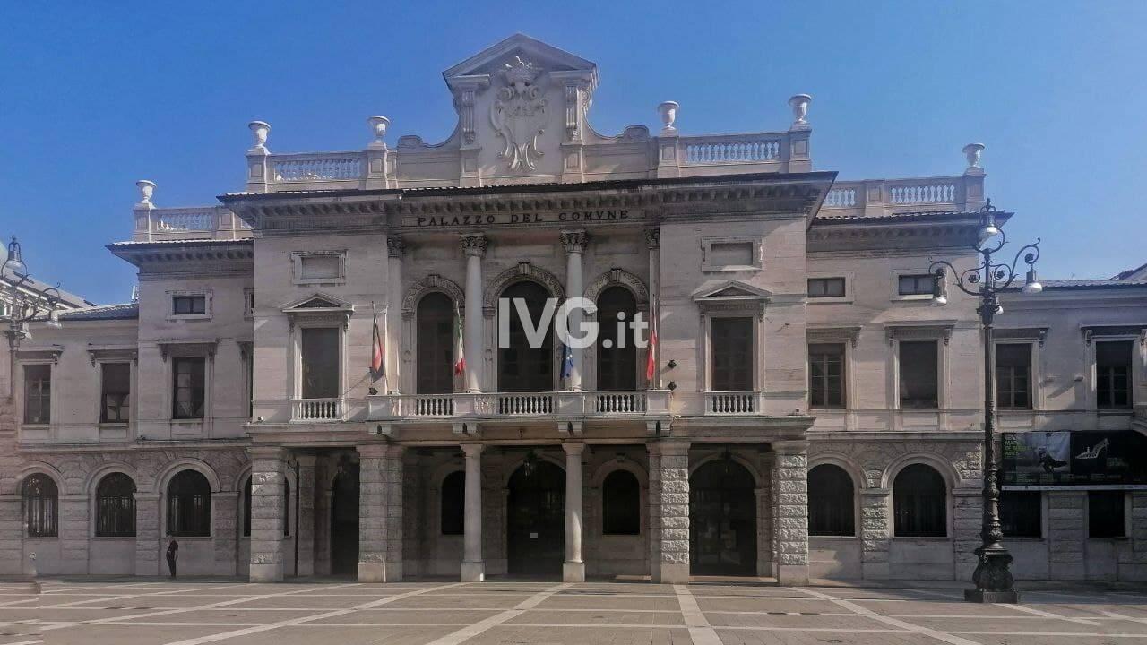 Piazza Sisto comune palazzo sisto