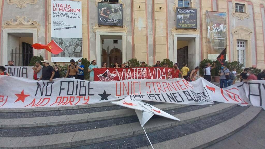 Ventennale G8, la marcia zapatista invade le strade di Genova