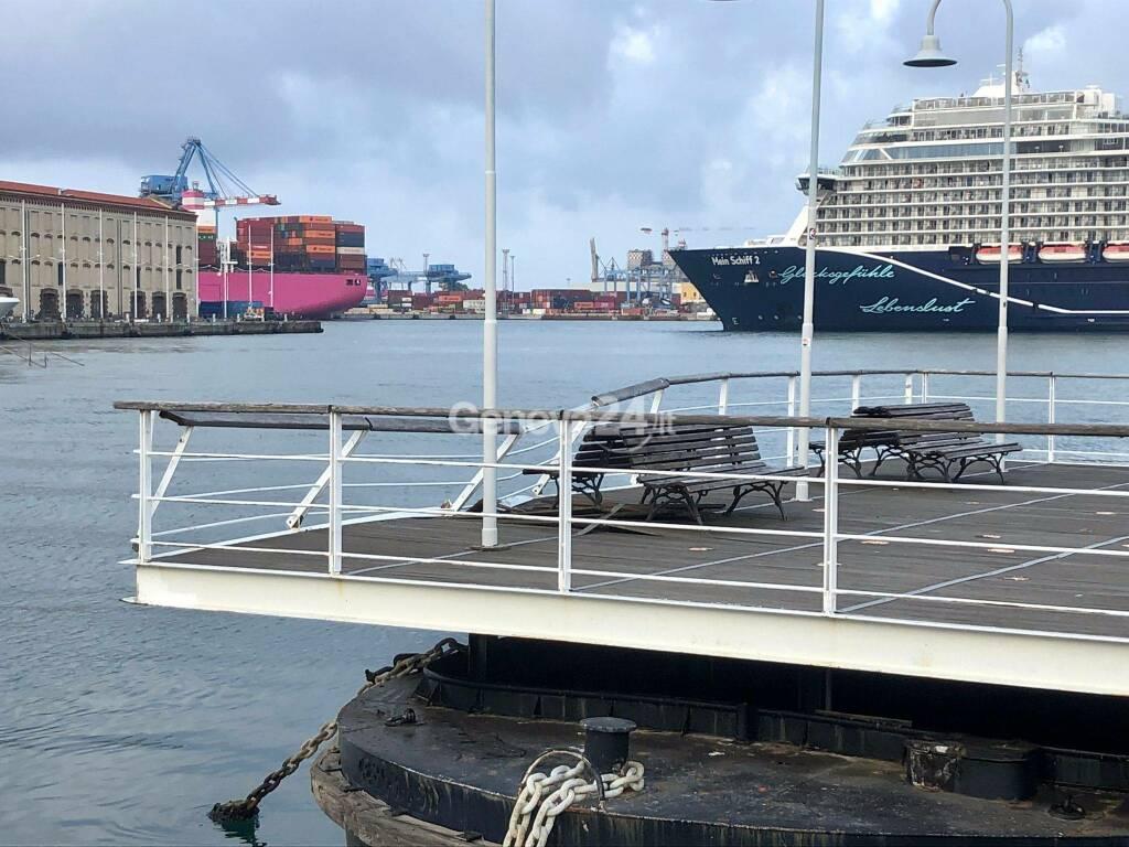 Yacht fuori controllo si schianta sull'Isola delle Chiatte