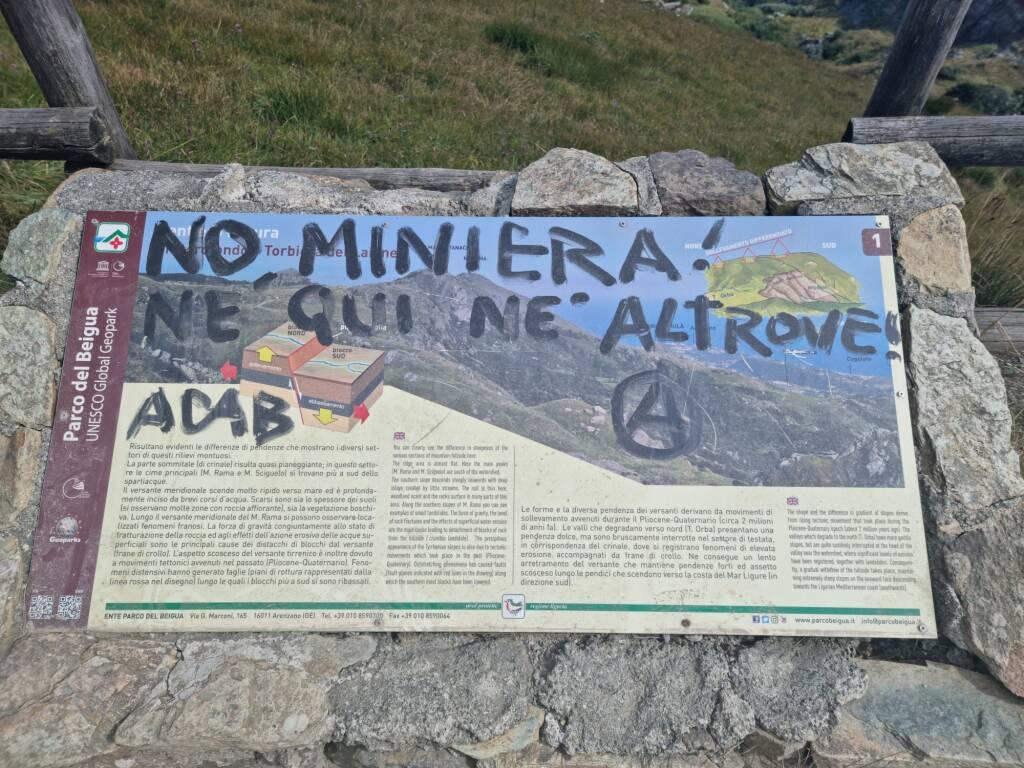 La protesta sfocia in vandalismi