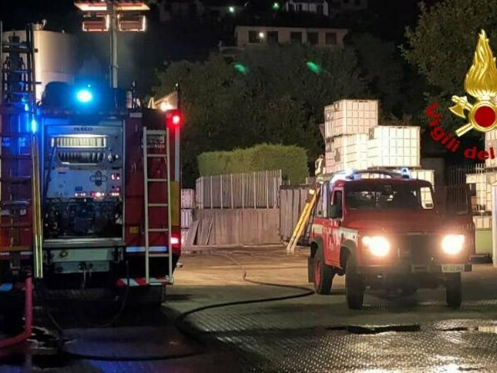 vigili del fuoco notte container busalla