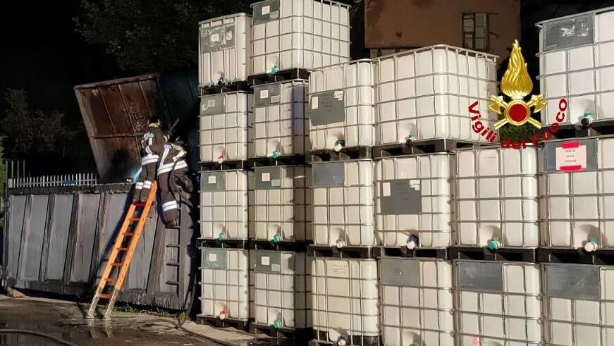 vigili del fuoco container busalla