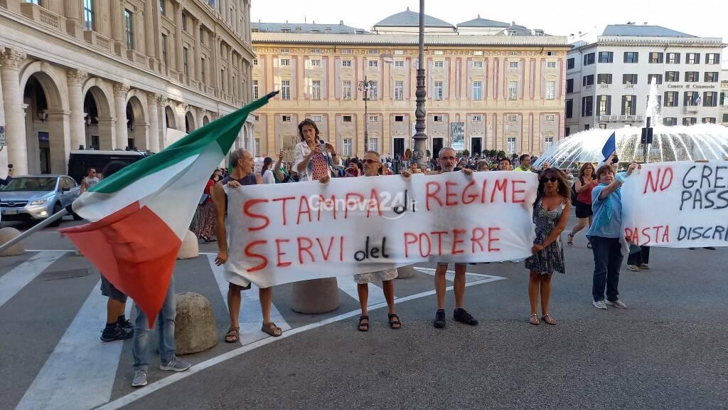 No green pass ancora in piazza, a Genova arrivano anche manifestanti dalla Francia