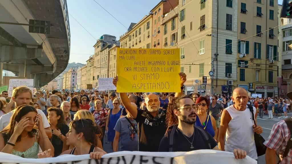 No green pass per il quarto sabato in piazza a Genova