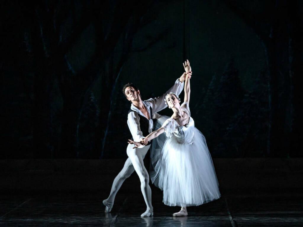 """""""Serata Romantica"""" spettacolo Balletto del Sud"""
