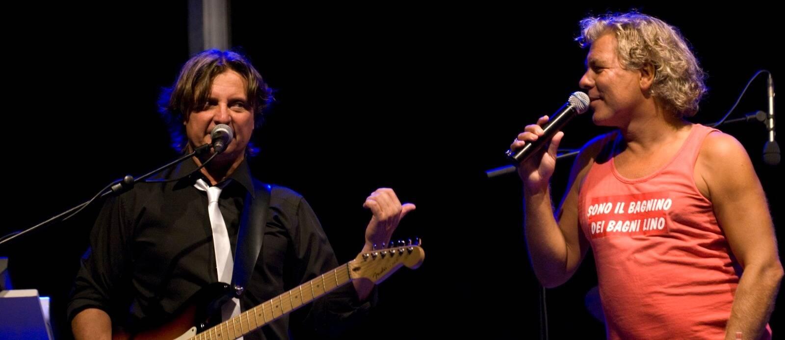 Smaf quintetto musicale Rossano Giallombardo chitarrista Marco Ghini cantante