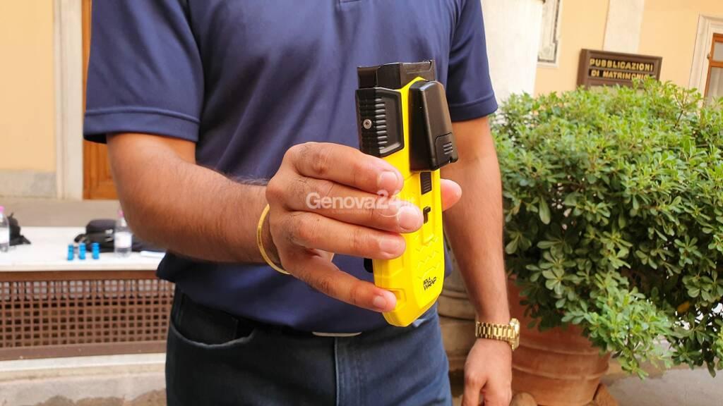 Bolawrap, il laccio 2.0 in sperimentazione alla polizia locale di Genova