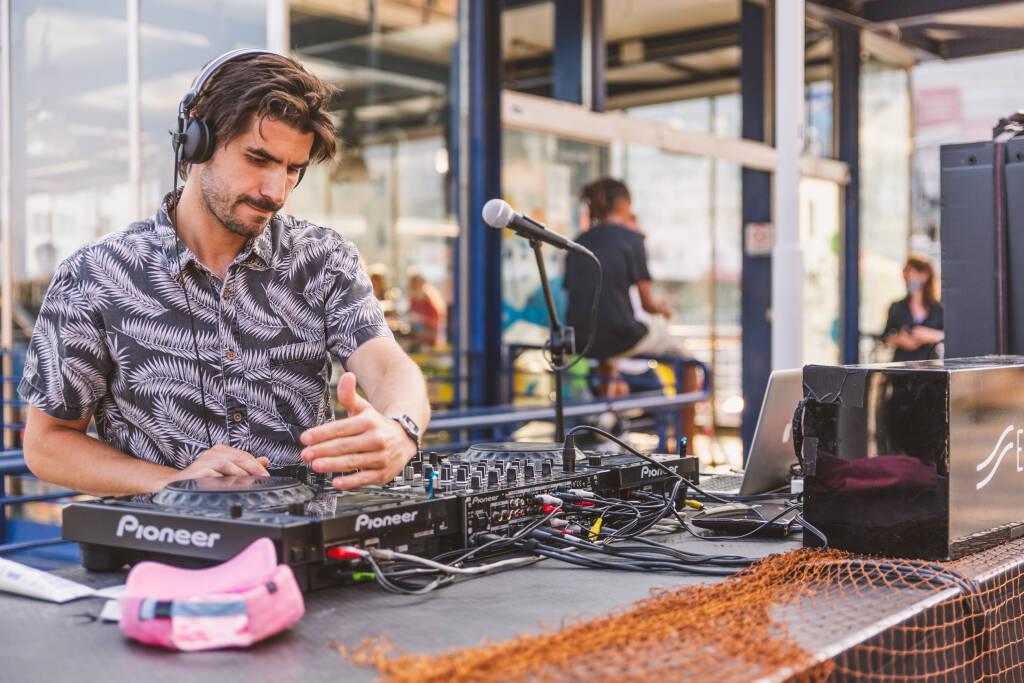 """Mercato dei Pescatori della Darsena, venerdì 10 i dj set di Emiliano Russo e SocksLove per \""""Fish&Djs\"""" di Electropark"""