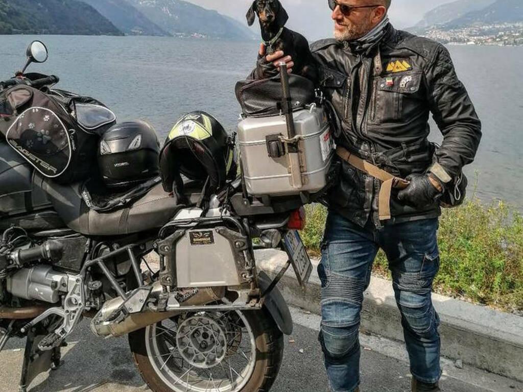 Zita on the road', il viaggio solidale 'a sei zampe e due ruote' arriva a Genova .