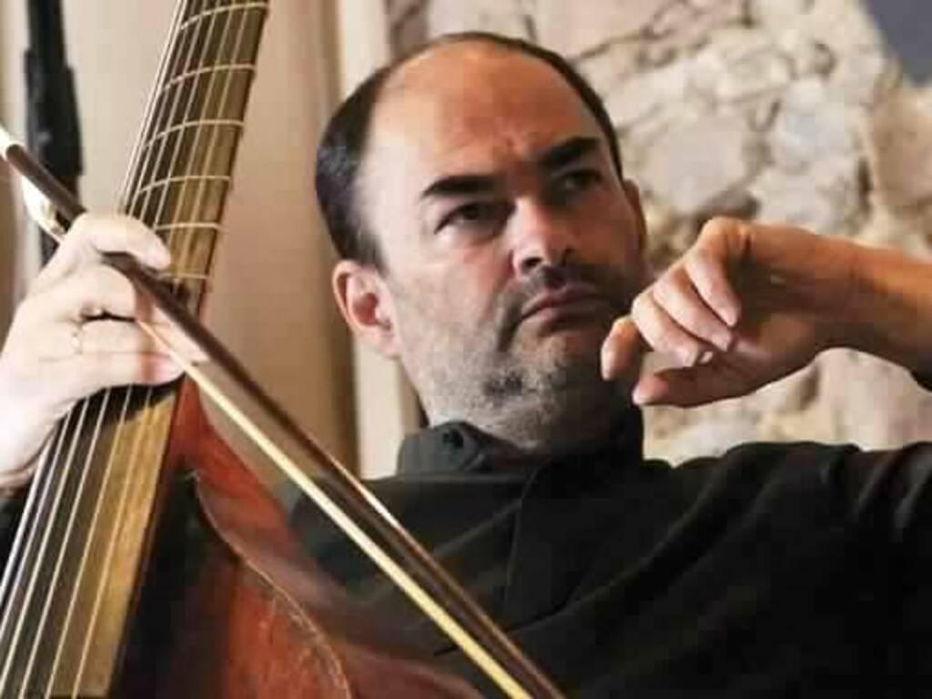 Christophe Coin violoncellista violista francese