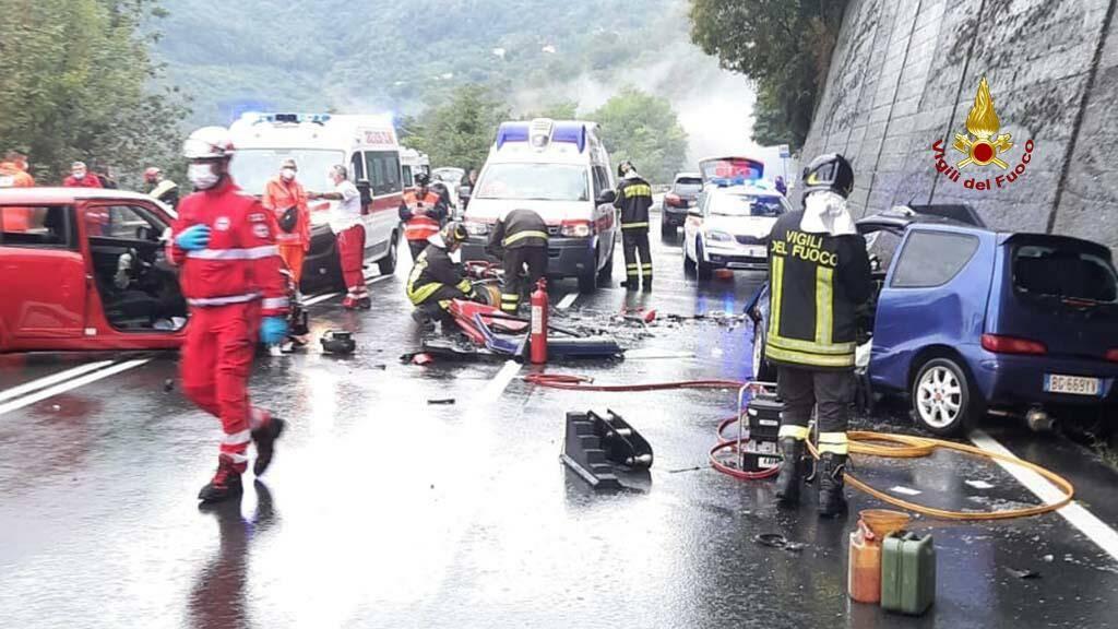 incidente ferriere lumarzo frontale vigili fuoco ambulanze